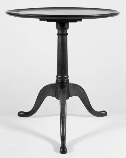 Dominy Tilt Top Table