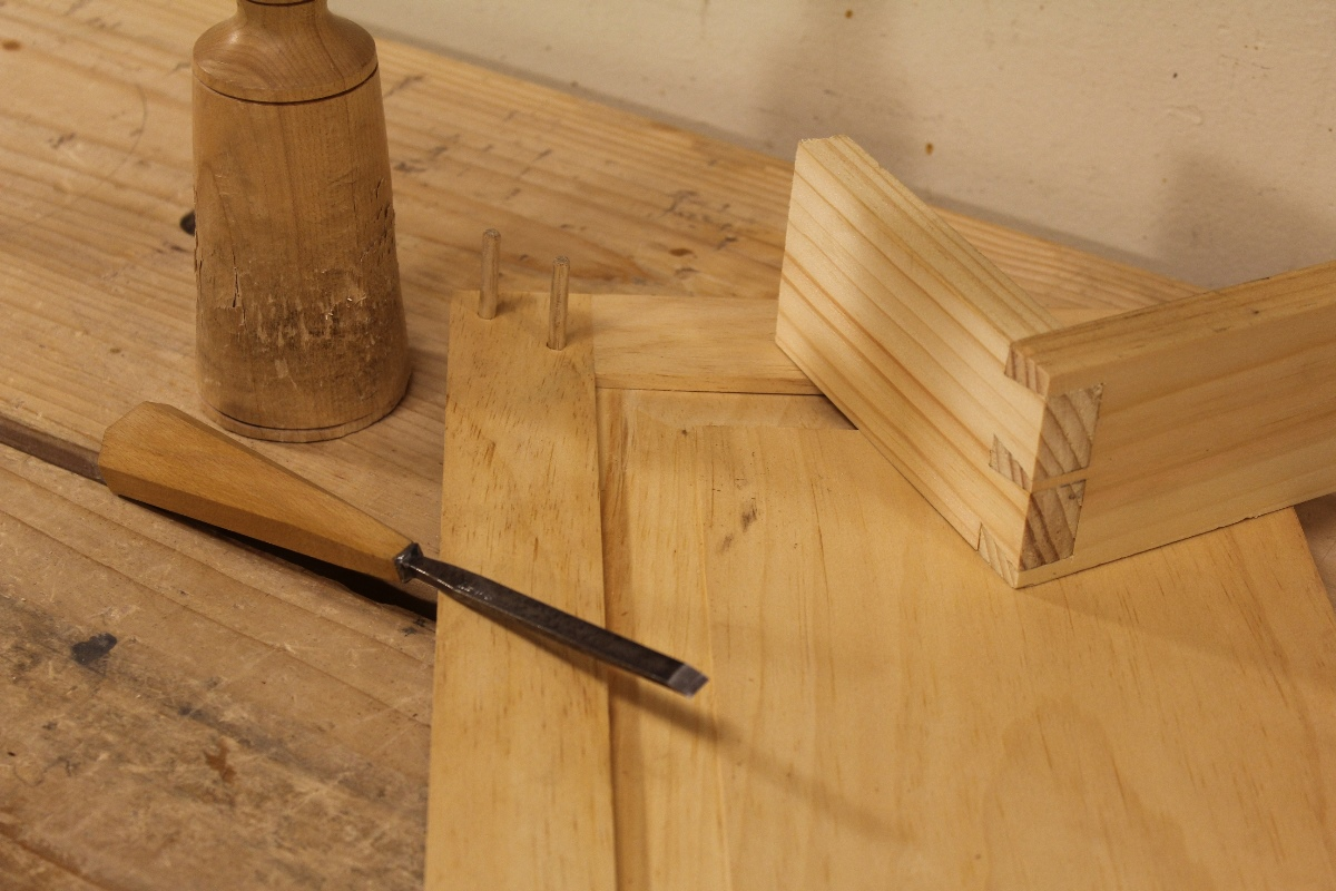Dovetail & Drawbored Mortise and Tenon Joints