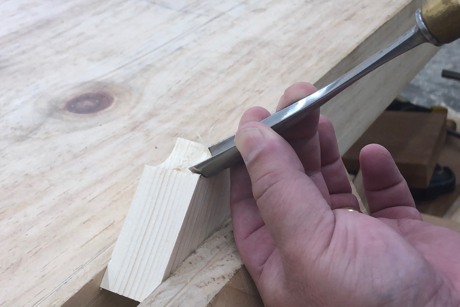 Out-cannel carving gouge