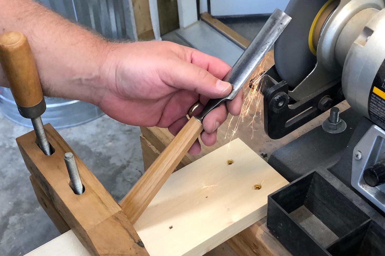 Homemade gouge grinding jig