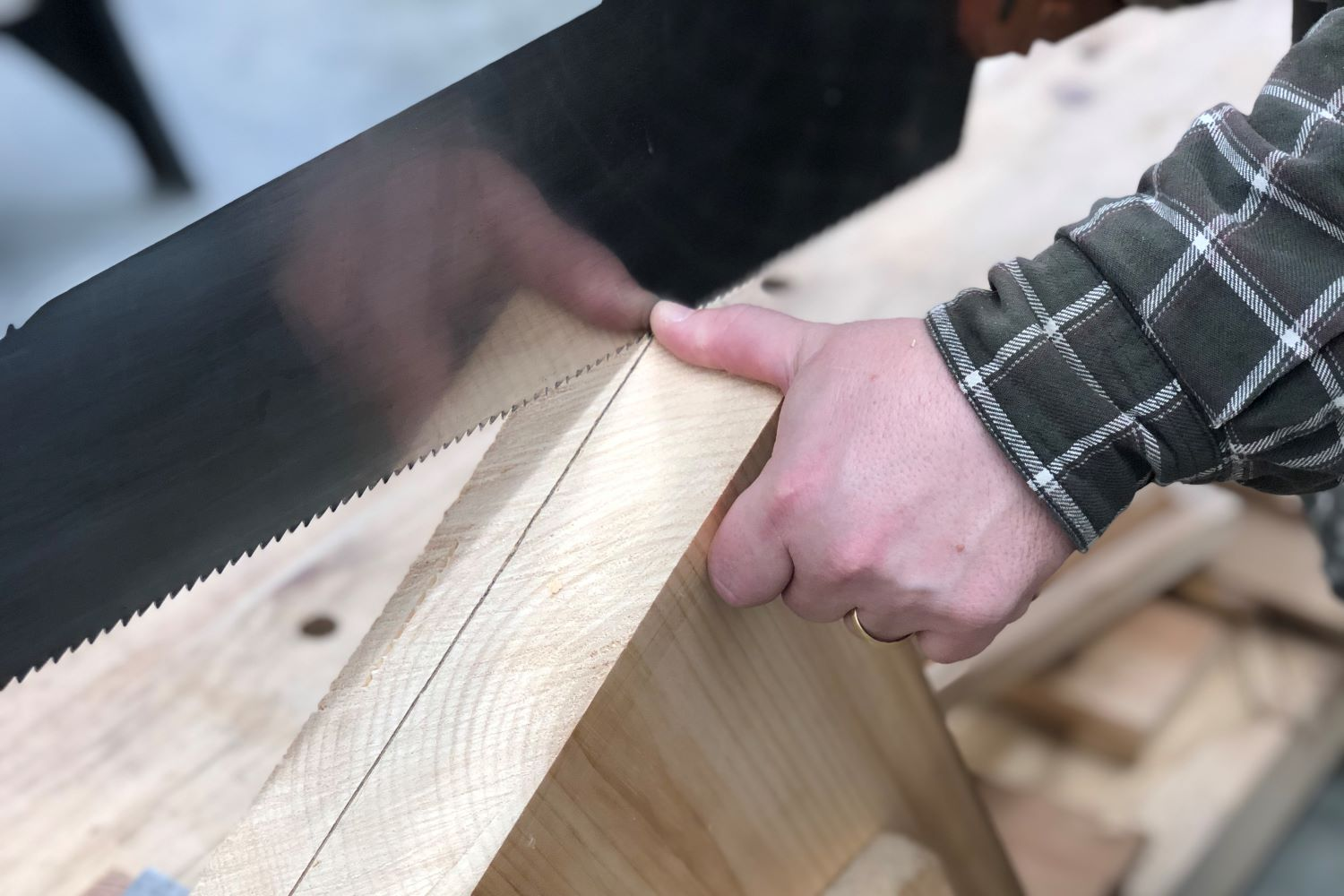 Starting a Saw Cut