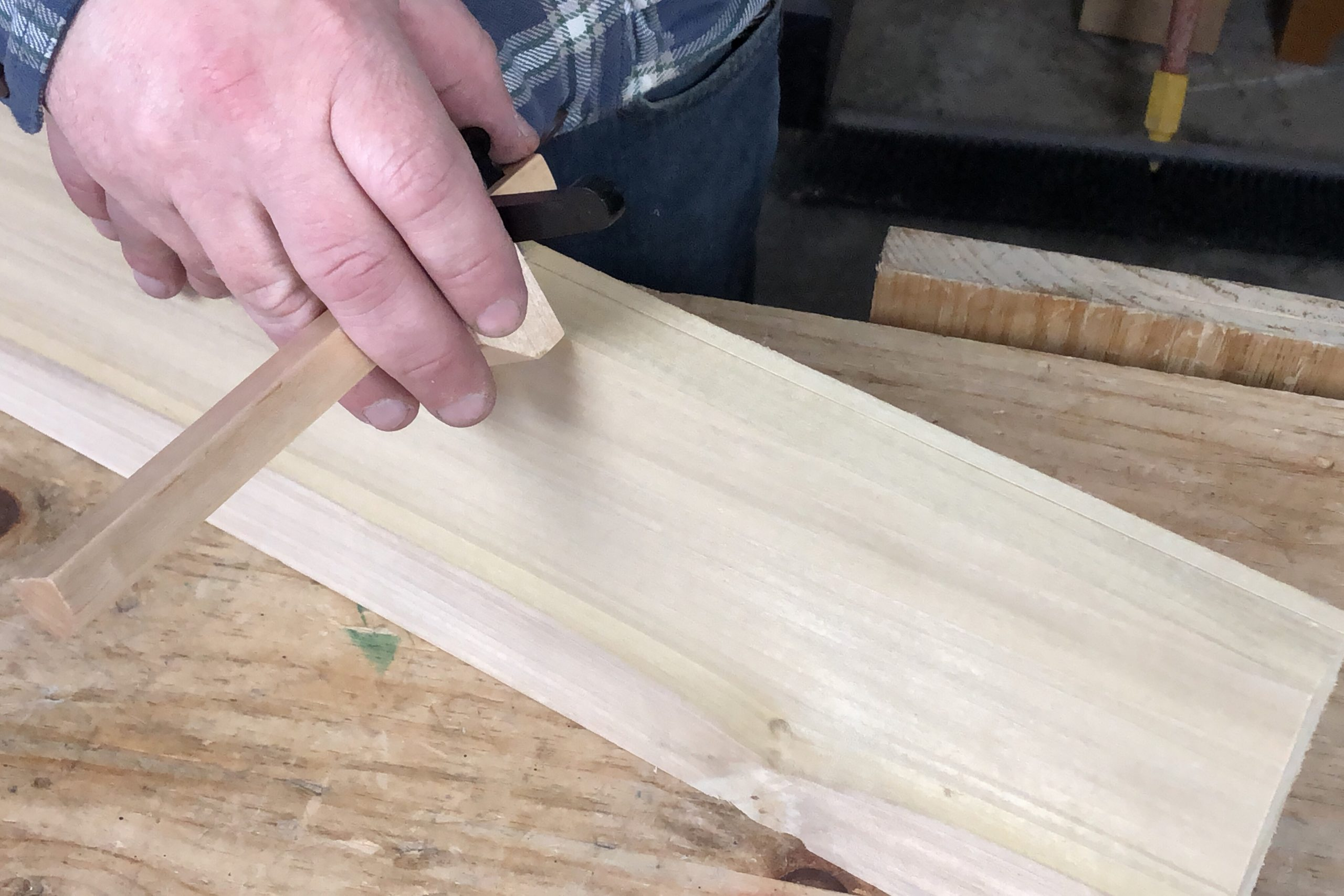 Using a Marking Gauge to Scribe Board Thickness
